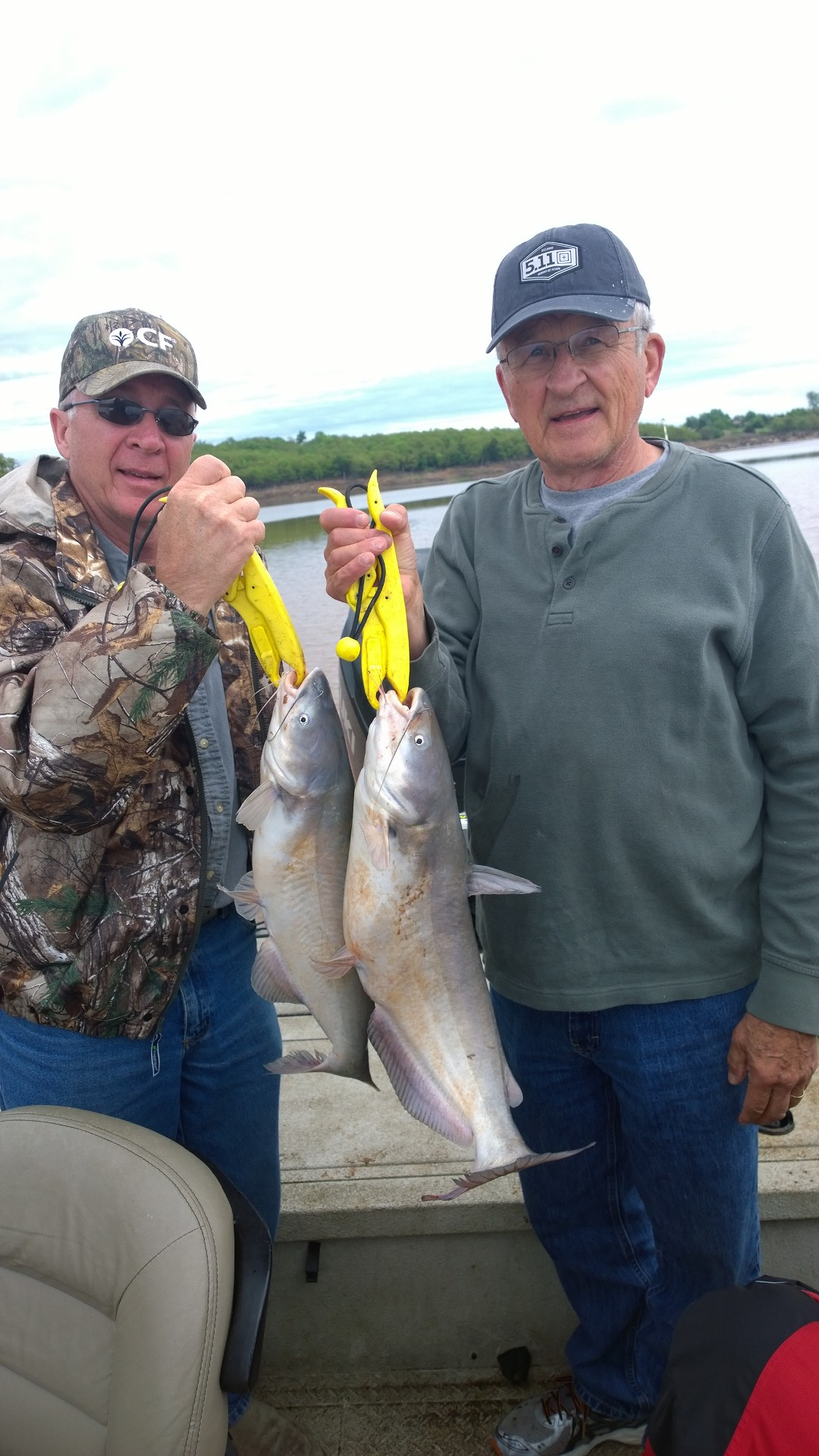 April 17th and 18th 2015 spring blue catfish and hybrid for Skiatook lake fishing report
