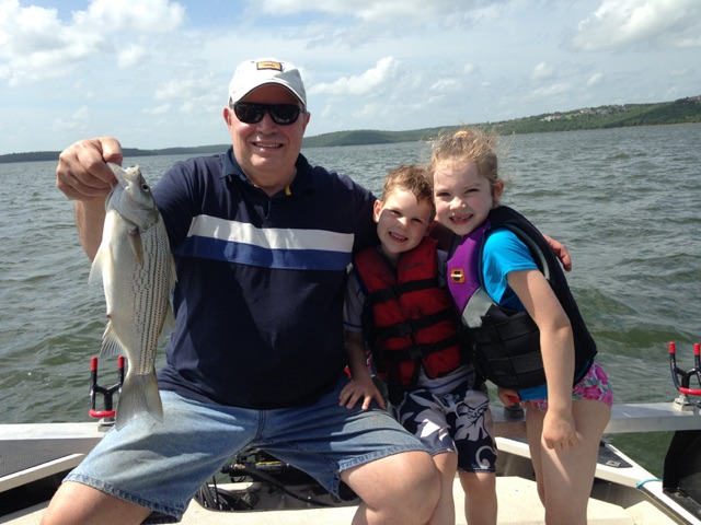 Skiatook lake fishing for hybrid stripers w family 6 21 15 for Oklahoma fishing guide